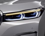 2020 BMW 7-Series 750Li Headlight Wallpaper 150x120 (26)
