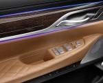 2020 BMW 7-Series 750Li Interior Detail Wallpaper 150x120 (32)