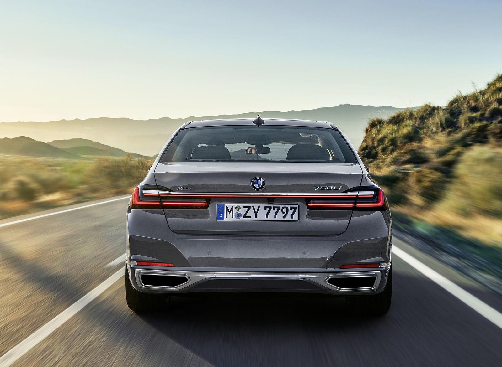 2020 BMW 7-Series 750Li Rear Wallpaper (5)