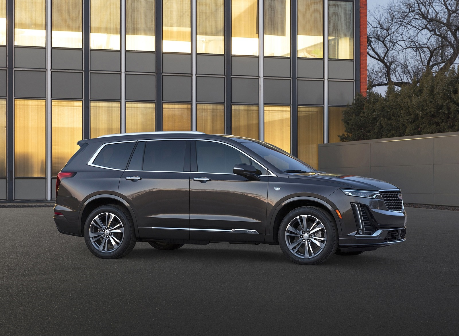 2020 Cadillac XT6 Premium Luxury Side Wallpapers (5)