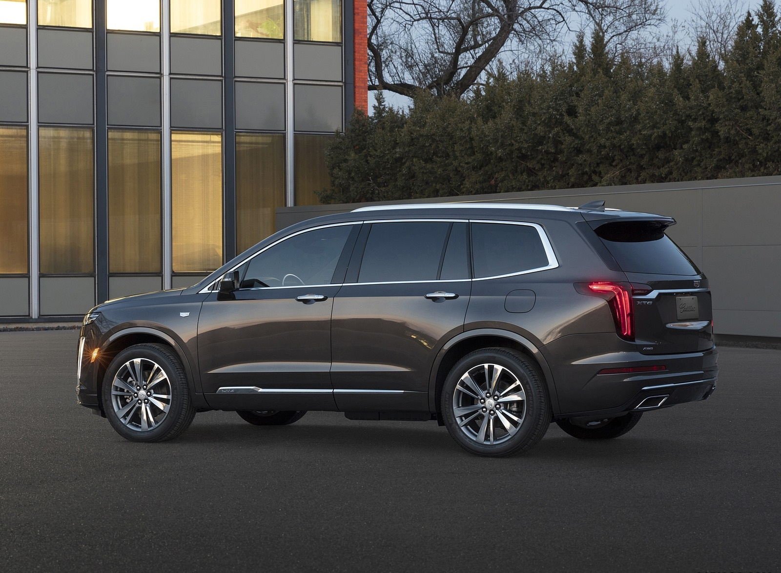2020 Cadillac XT6 Premium Luxury Side Wallpapers (6)