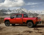 2020 Chevrolet Silverado 2500 HD Custom Side Wallpaper 150x120 (9)