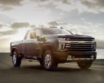 2020 Chevrolet Silverado 2500 HD High Country Front Three-Quarter Wallpaper 150x120 (25)