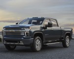 2020 Chevrolet Silverado 2500 HD High Country Front Three-Quarter Wallpaper 150x120 (24)
