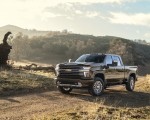 2020 Chevrolet Silverado 2500 HD High Country Front Three-Quarter Wallpaper 150x120 (5)