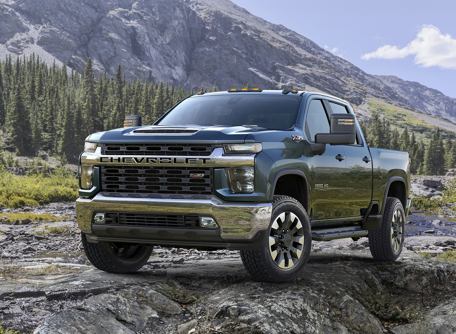 2020 Chevrolet Silverado 2500 HD LT Front Wallpaper (12)