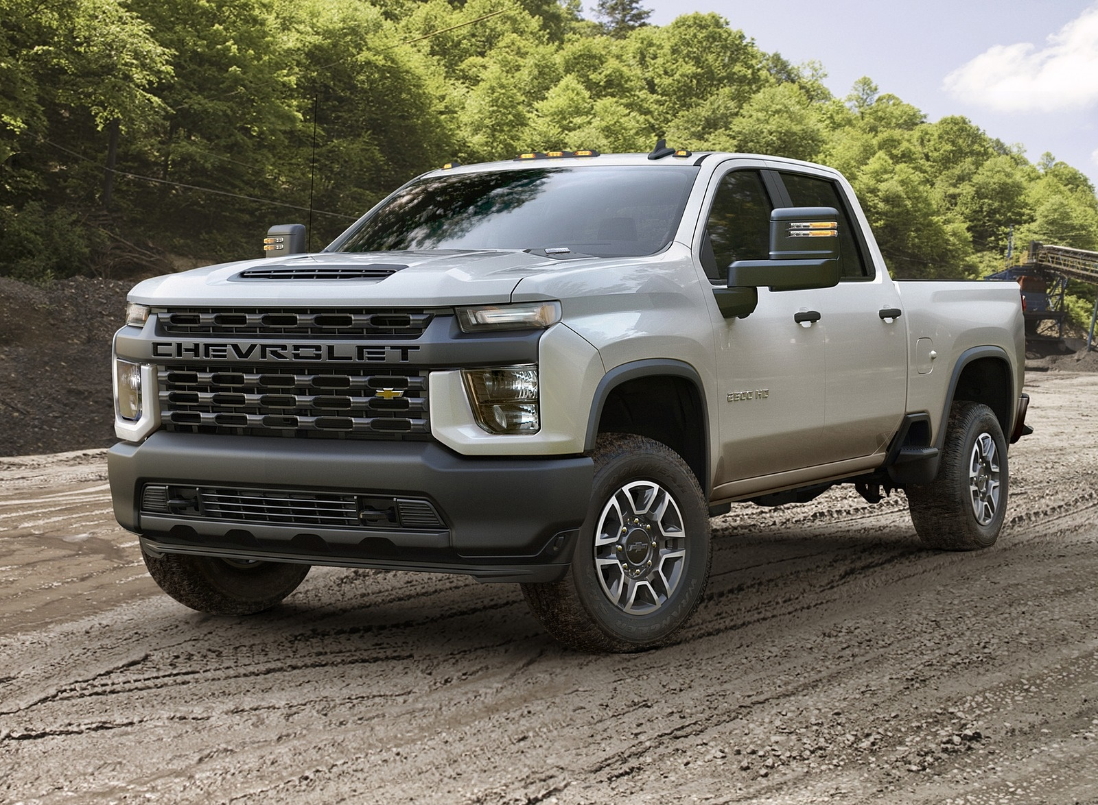 2020 Chevrolet Silverado 2500 HD Work Truck Front Three-Quarter Wallpaper (14)