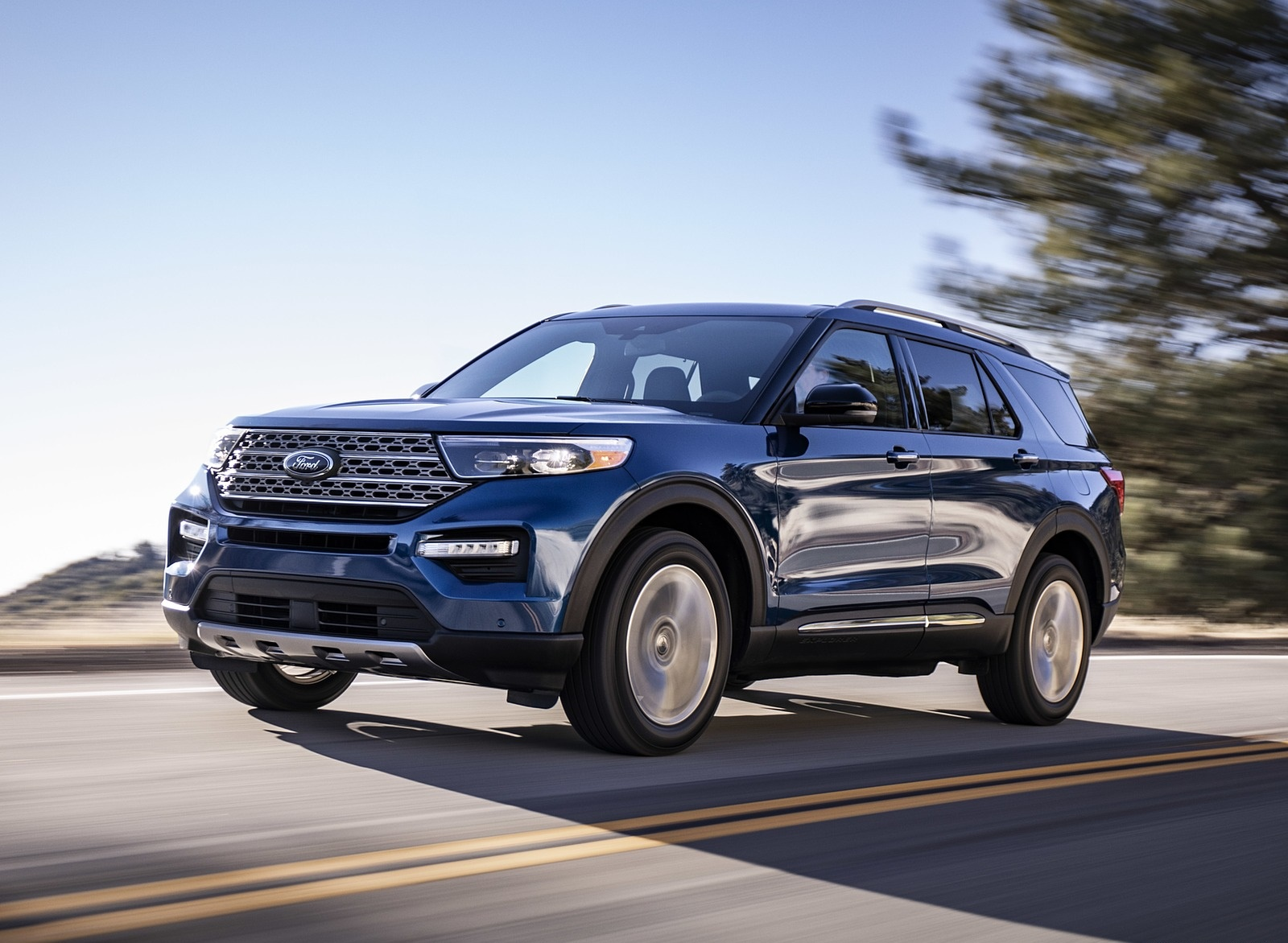 2020 Ford Explorer Front Three-Quarter Wallpapers (1)