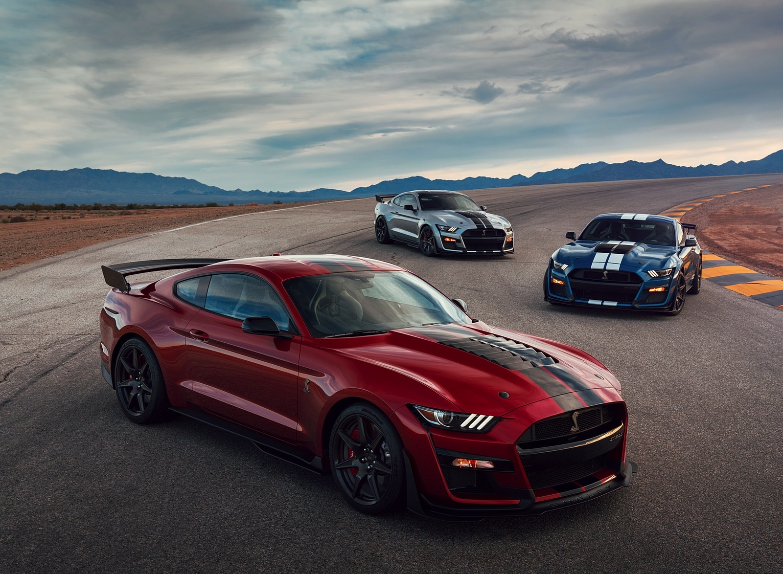 2020 Ford Mustang Shelby GT500 Front Three-Quarter Wallpapers (4)