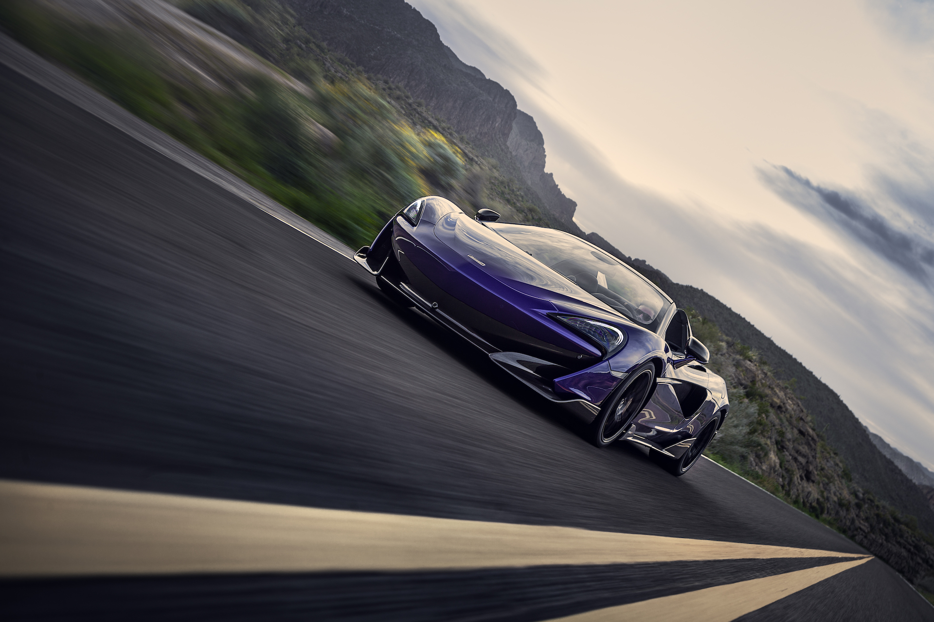 2020 McLaren 600LT Spider (Color: Lantana Purple) Front Three-Quarter Wallpaper (3)