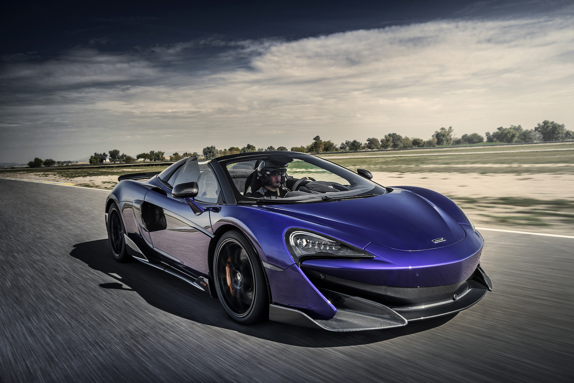 2020 McLaren 600LT Spider (Color: Lantana Purple) Front Three-Quarter Wallpaper (4)