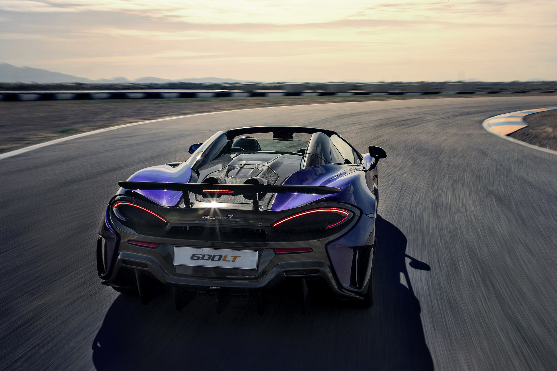 2020 McLaren 600LT Spider (Color: Lantana Purple) Rear Wallpaper (10)