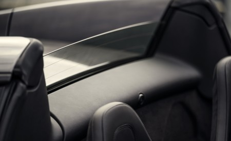 2020 McLaren 600LT Spider (Color: Lime Green) Interior Detail Wallpaper 450x275 (79)