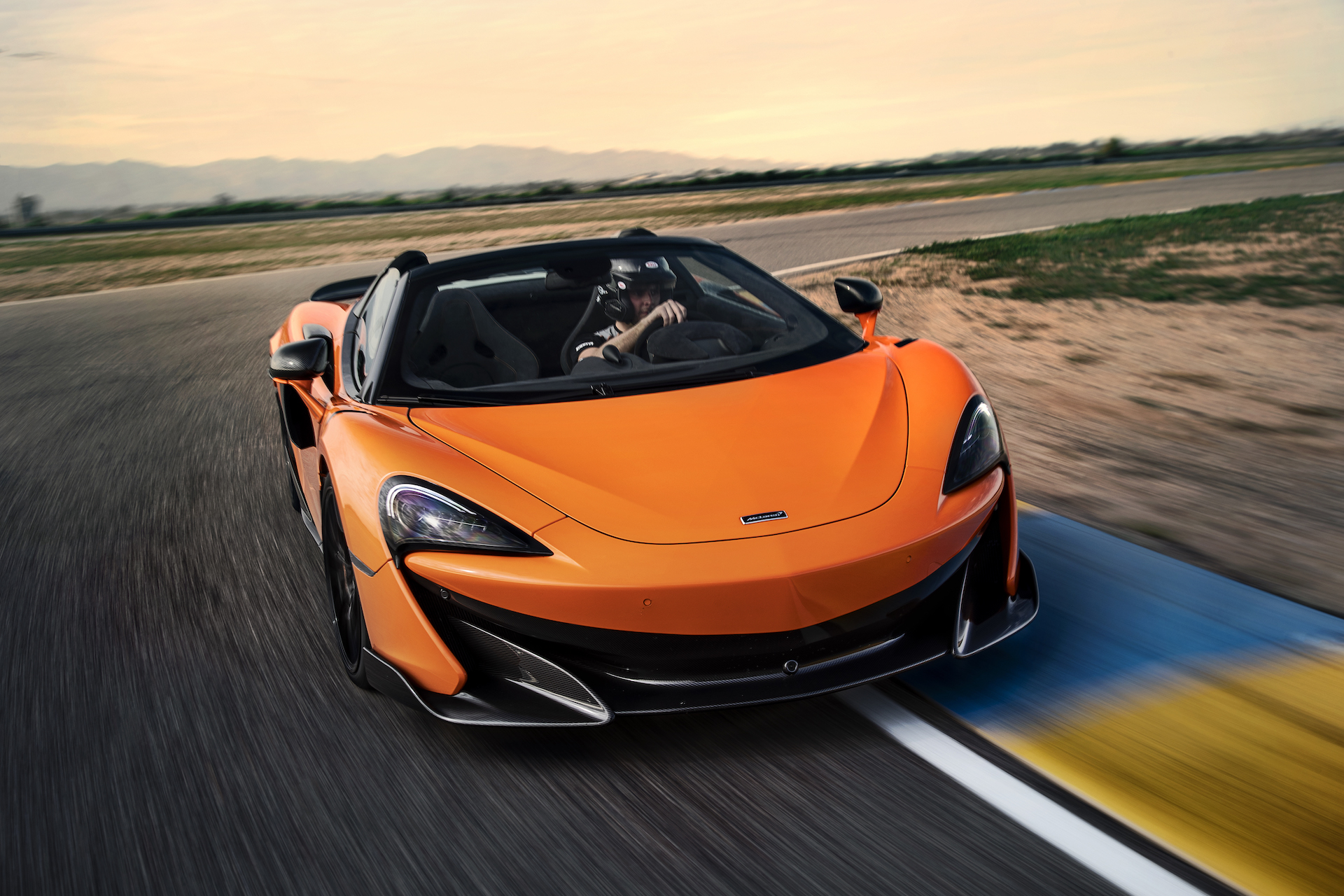 2020 McLaren 600LT Spider Color Myan Orange Front Three Quarter Wallpaper 21