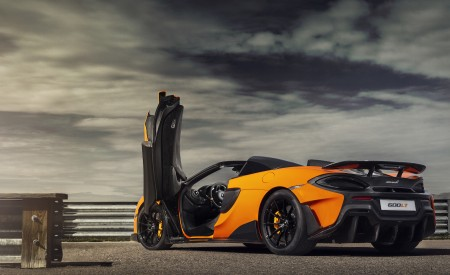 2020 McLaren 600LT Spider (Color: Myan Orange) Rear Three-Quarter Wallpaper 450x275 (43)