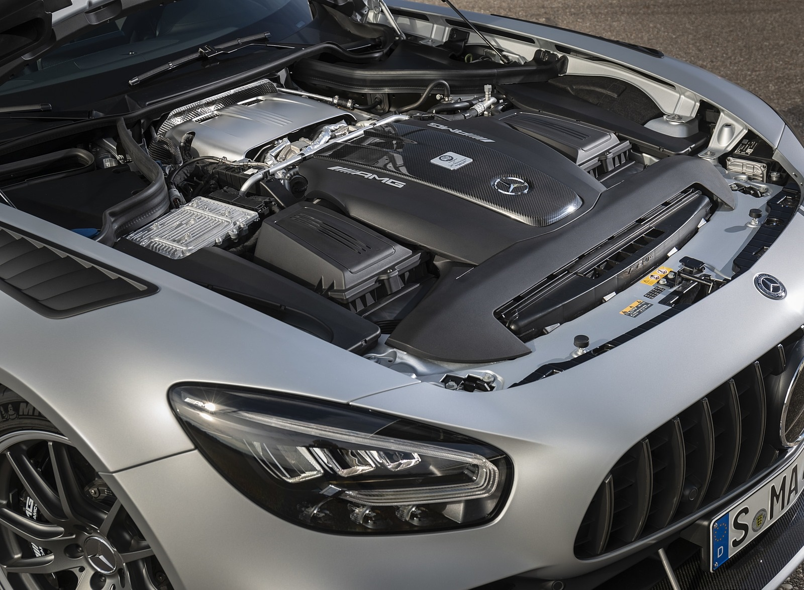 2020 Mercedes-AMG GT R Pro (Color: Designo Iridium Silver magno) Engine Wallpapers (9)