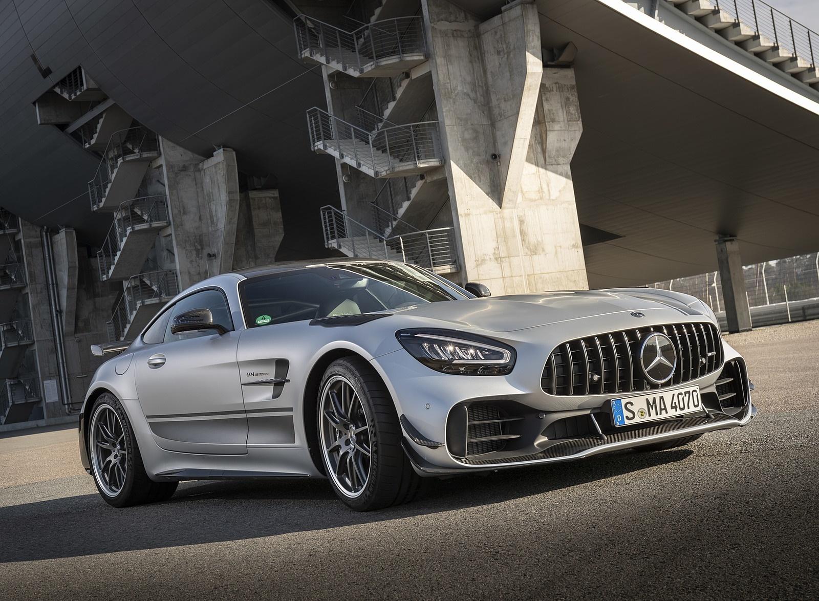 2020 Mercedes-AMG GT R Pro (Color: Designo Iridium Silver magno) Front Three-Quarter Wallpapers (6)