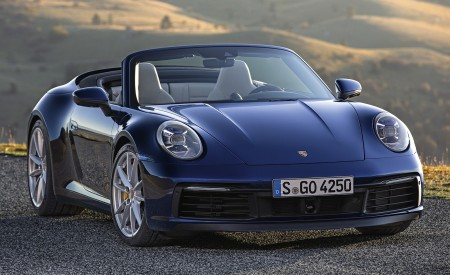 2020 Porsche 911 Carrera 4S Cabriolet Front Wallpaper 450x275 (188)