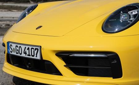 2020 Porsche 911 Carrera S Cabriolet (Color: Racing Yellow) Front Bumper Wallpaper 450x275 (166)