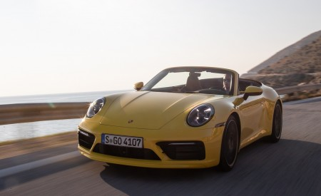 2020 Porsche 911 Carrera S Cabriolet (Color: Racing Yellow) Front Wallpaper 450x275 (134)