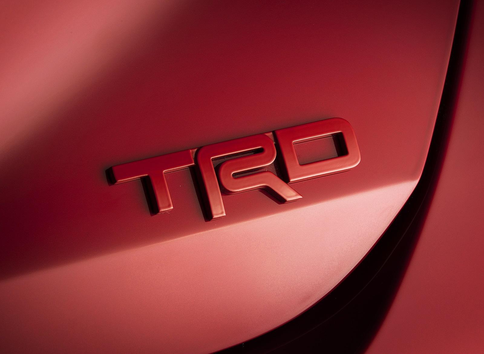 2020 Toyota Avalon TRD Badge Wallpaper (11)