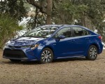 2020 Toyota Corolla Hybrid LE (Color: Blue Crush Metallic) Front Three-Quarter Wallpapers 150x120 (5)