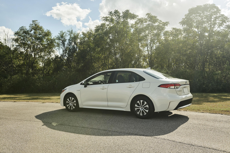 2020 Toyota Corolla Hybrid Rear Three-Quarter Wallpaper (6)