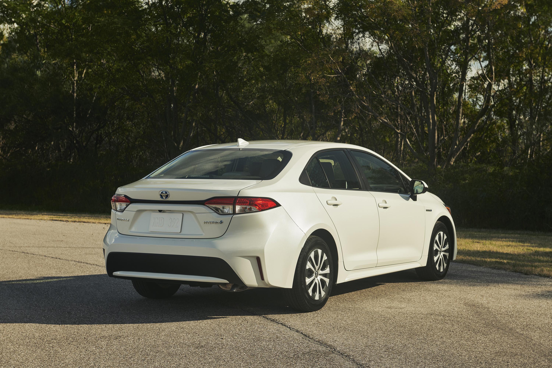 2020 Toyota Corolla Hybrid Rear Three-Quarter Wallpaper (7)