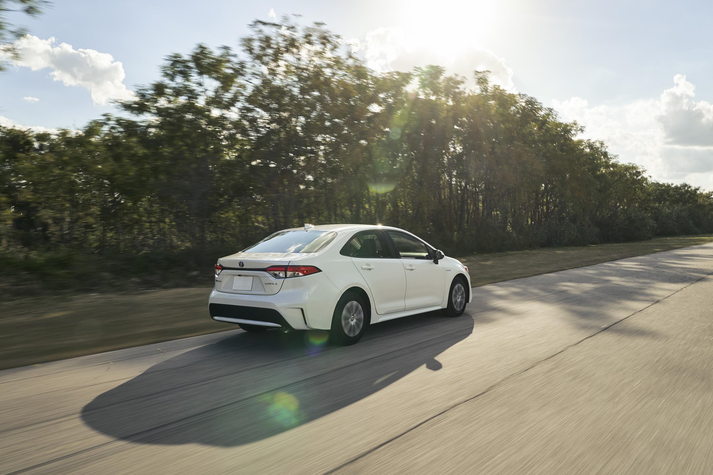 2020 Toyota Corolla Hybrid Rear Three-Quarter Wallpaper (3)
