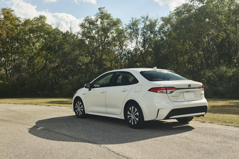 2020 Toyota Corolla Hybrid Rear Wallpaper (8)
