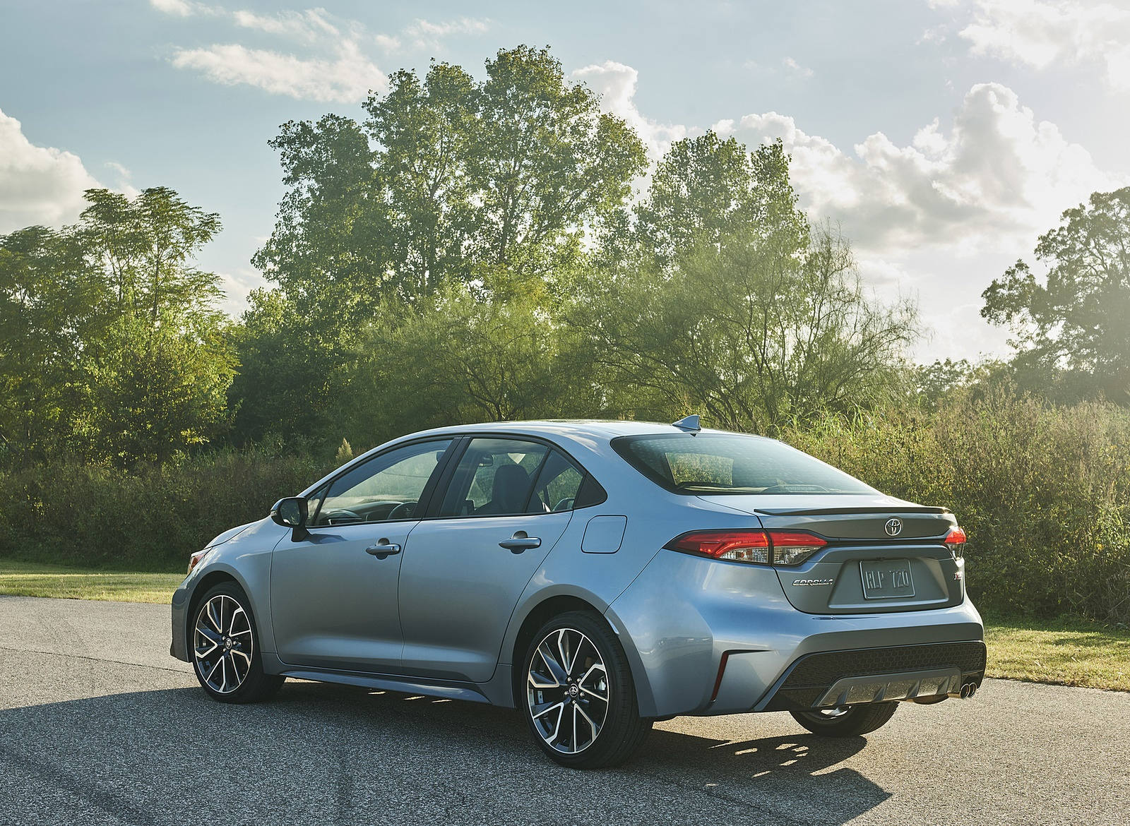 2020 Toyota Corolla XSE Rear Three-Quarter Wallpaper (4)