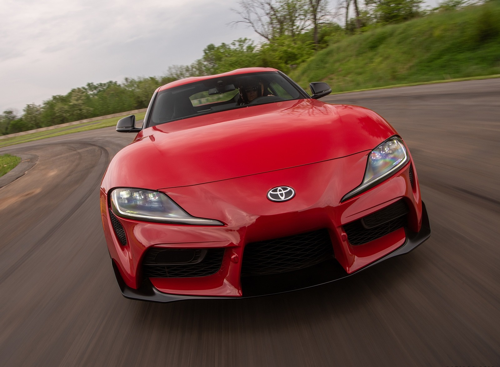 2020 Toyota Supra (Color: Renaissance Red) Front Wallpapers (2)