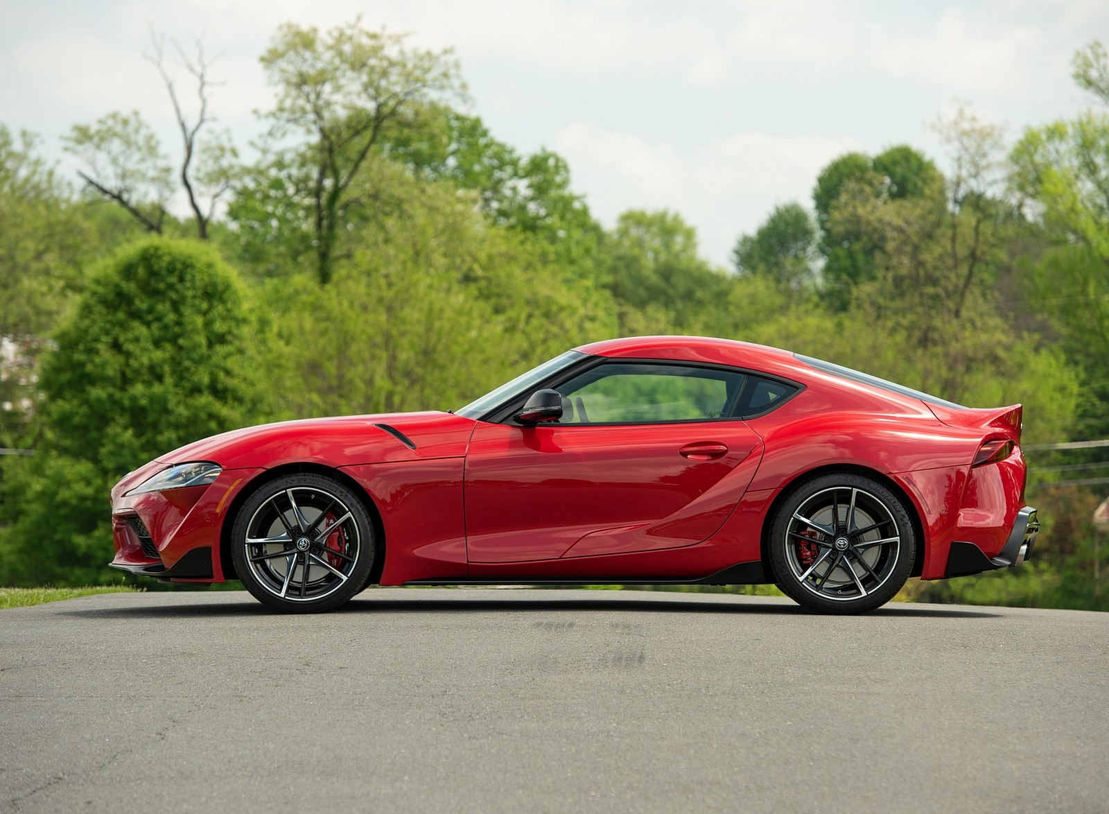 2020 Toyota Supra (Color: Renaissance Red) Side Wallpapers (11)