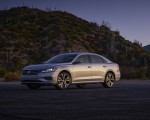 2020 Volkswagen Passat Front Three-Quarter Wallpapers 150x120 (23)