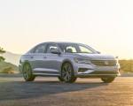 2020 Volkswagen Passat Front Three-Quarter Wallpapers 150x120 (11)