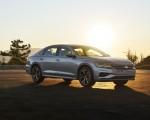 2020 Volkswagen Passat Front Three-Quarter Wallpapers 150x120 (25)