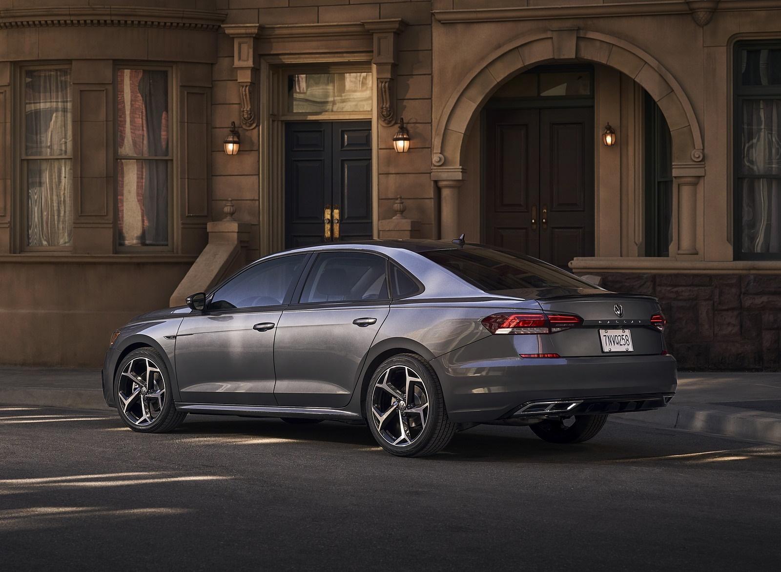 2020 Volkswagen Passat Rear Three-Quarter Wallpaper (15)