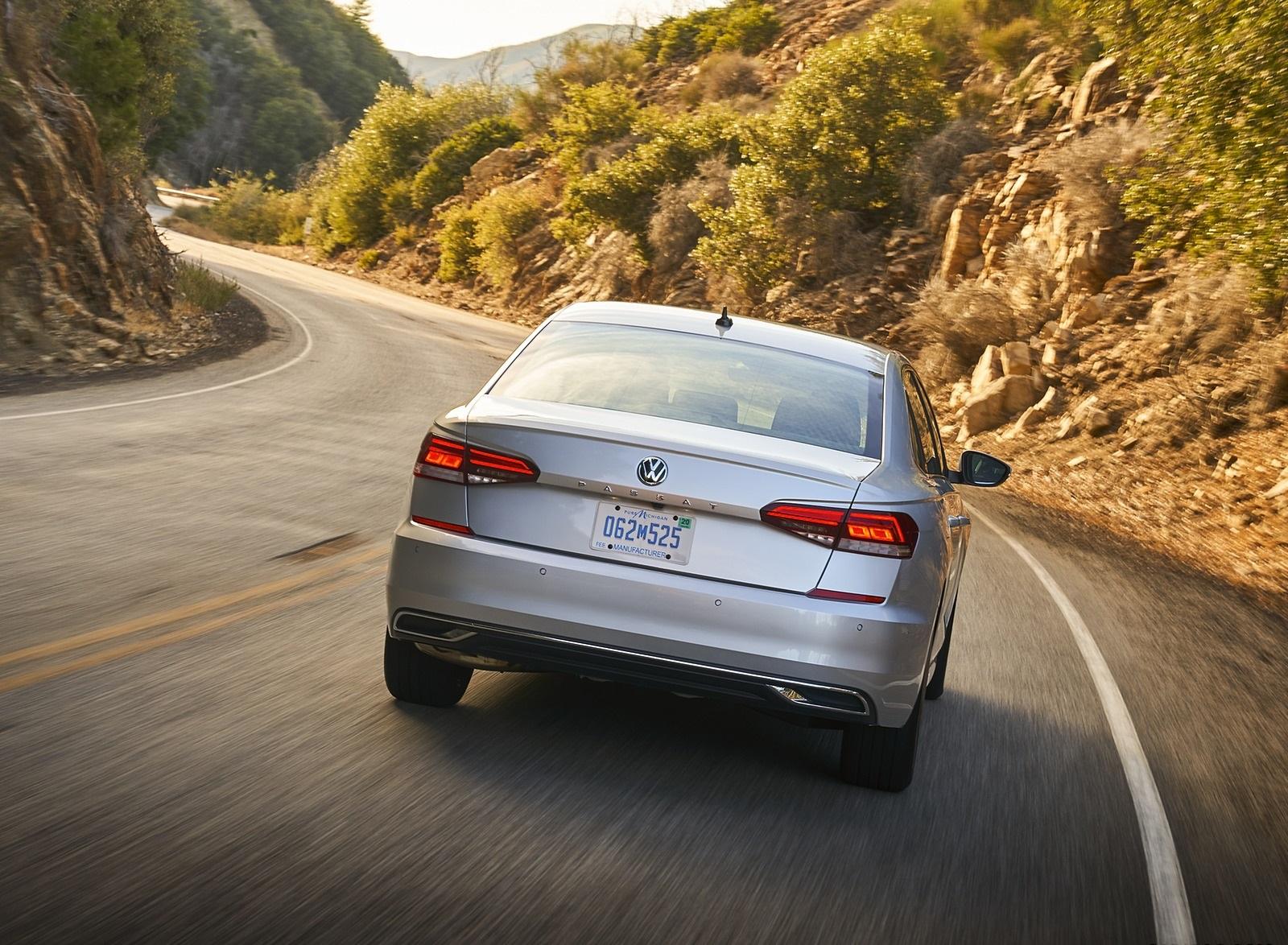 2020 Volkswagen Passat Rear Wallpapers (10)