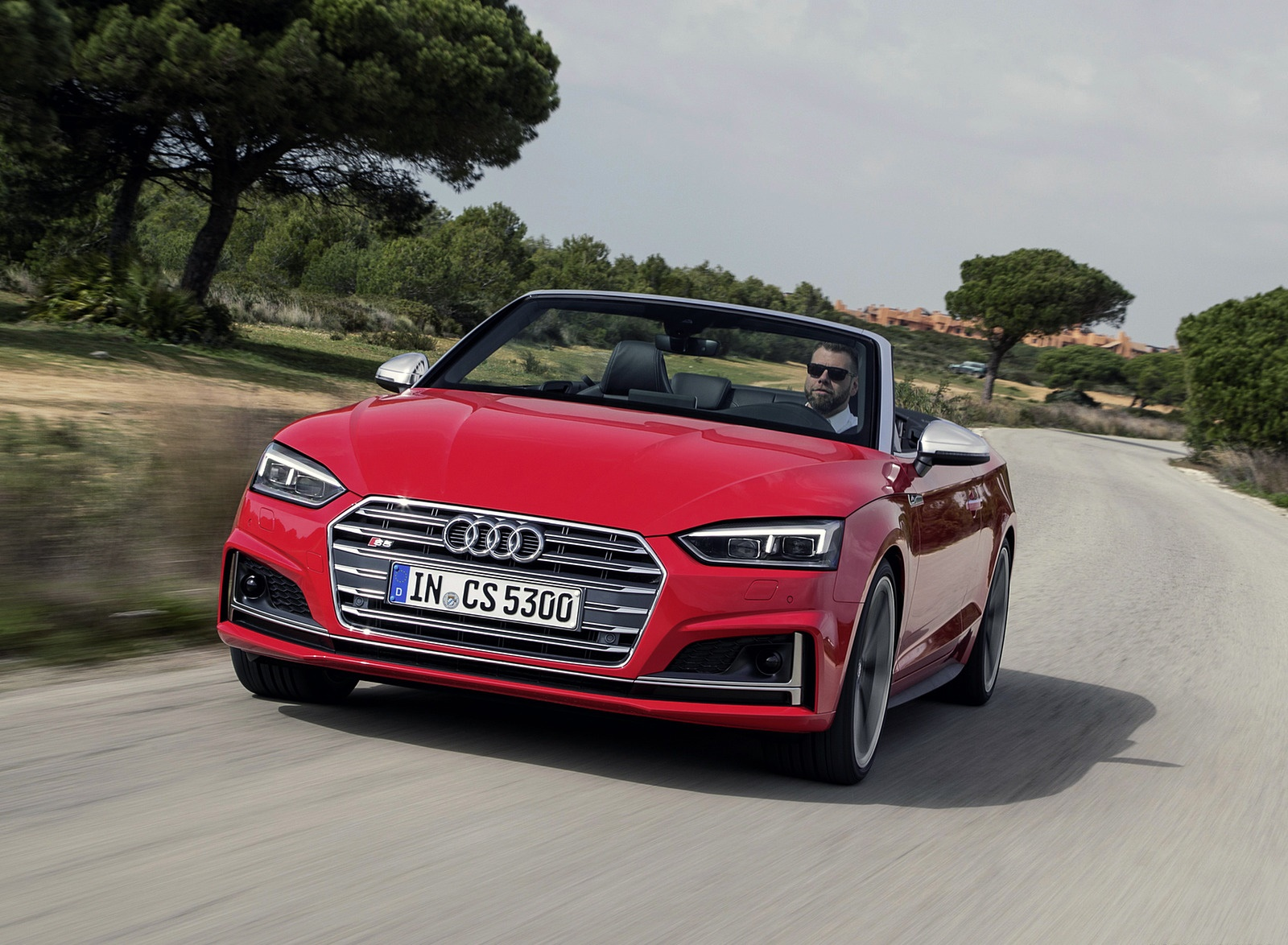 2018 Audi S5 Cabriolet (Color: Misano Red) Front Three-Quarter Wallpaper (5)