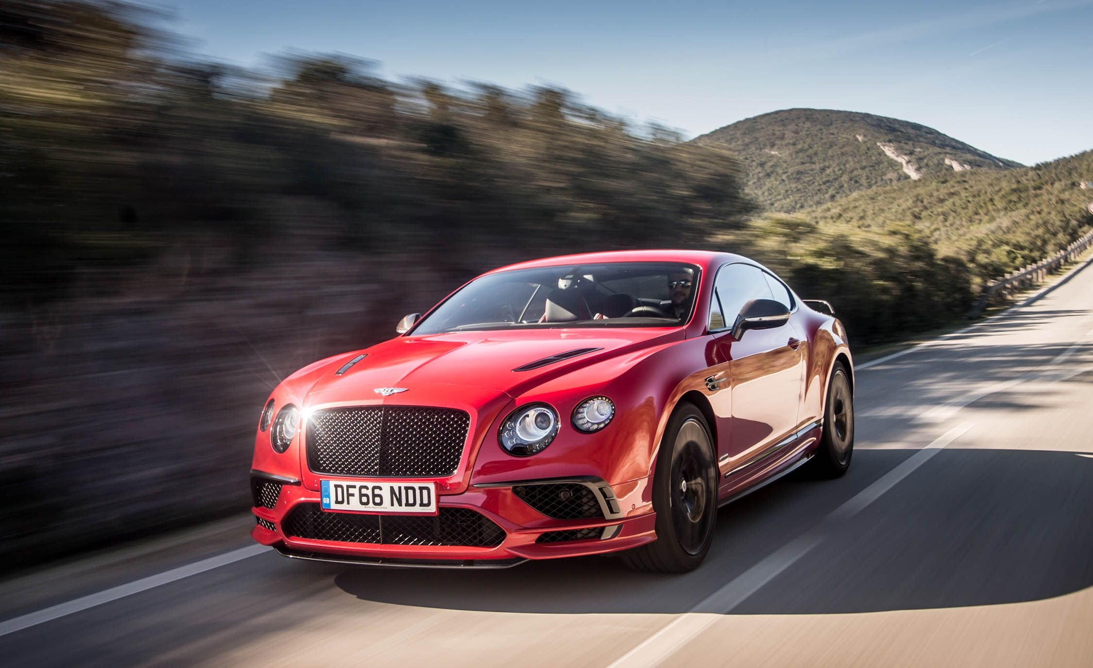 2018 Bentley Continental GT Supersports Coupe (Color: St. James Red) Front Three-Quarter Wallpapers (3)