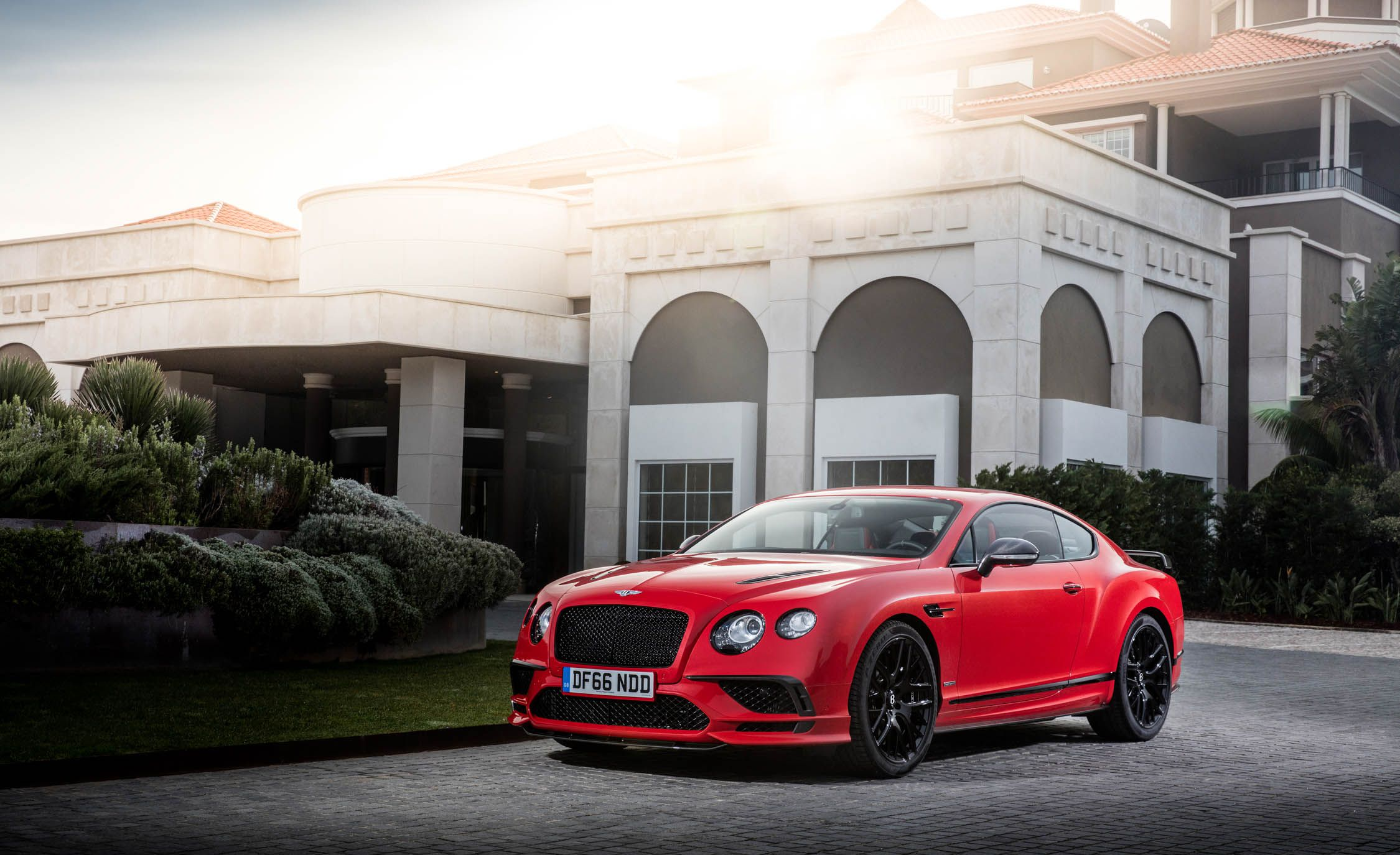 2018 Bentley Continental GT Supersports Coupe (Color: St. James Red) Front Three-Quarter Wallpapers (10)