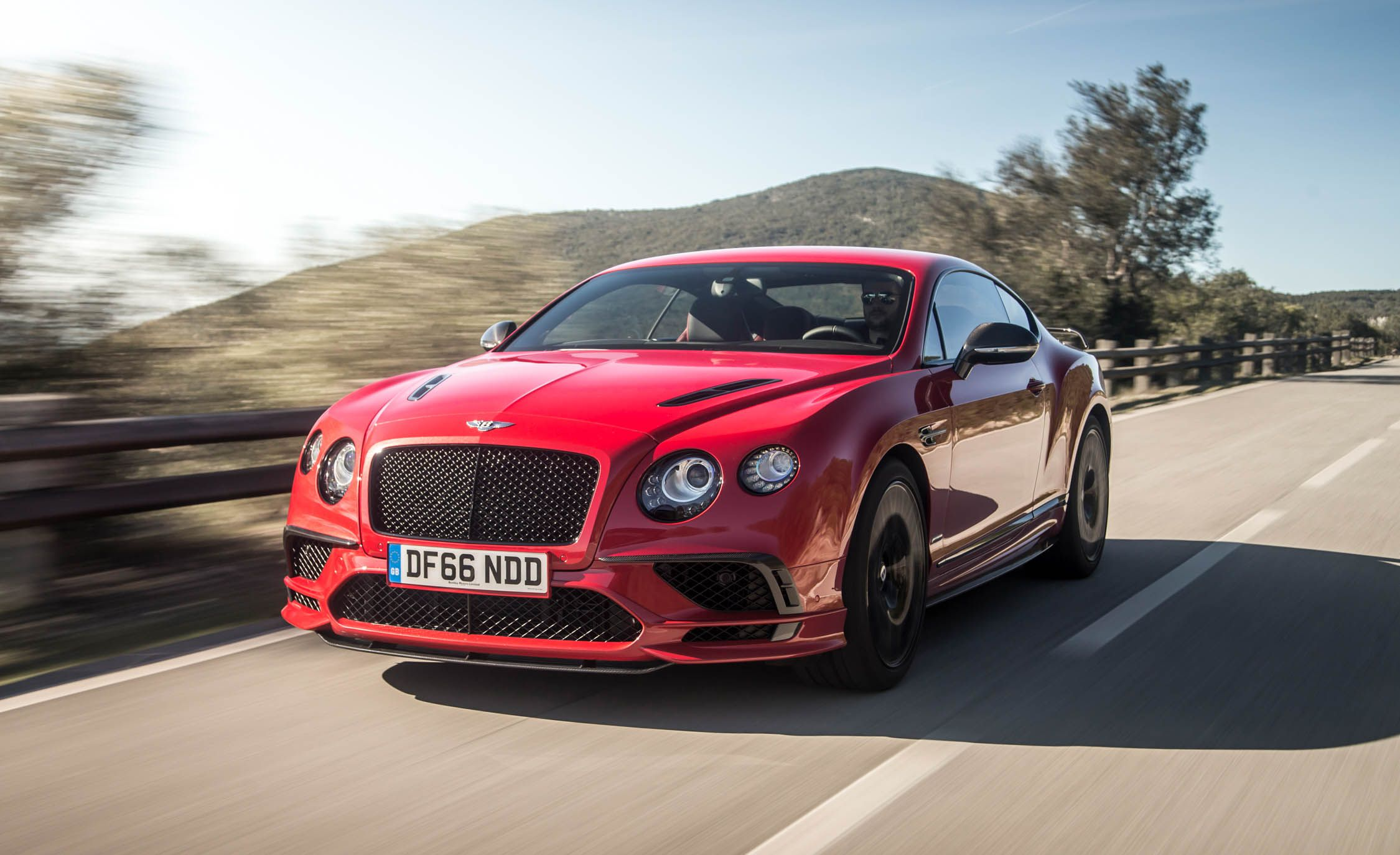 2018 Bentley Continental GT Supersports Coupe (Color: St. James Red) Front Three-Quarter Wallpapers (4)
