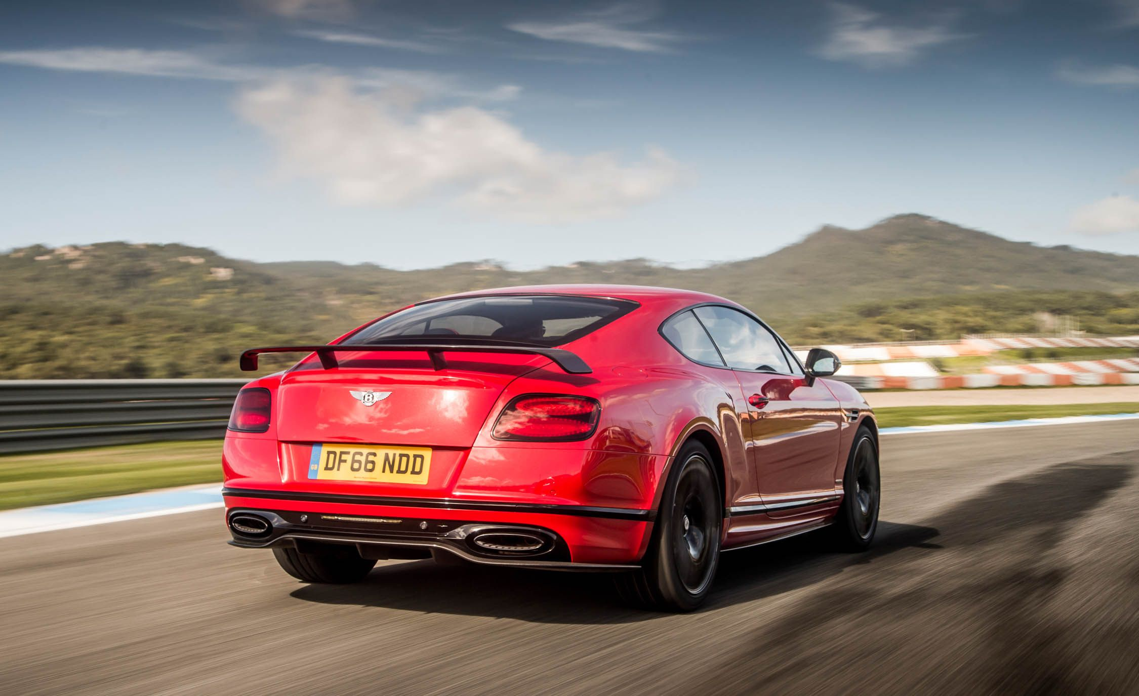 2018 Bentley Continental GT Supersports Coupe (Color: St. James Red) Rear Three-Quarter Wallpapers (14)