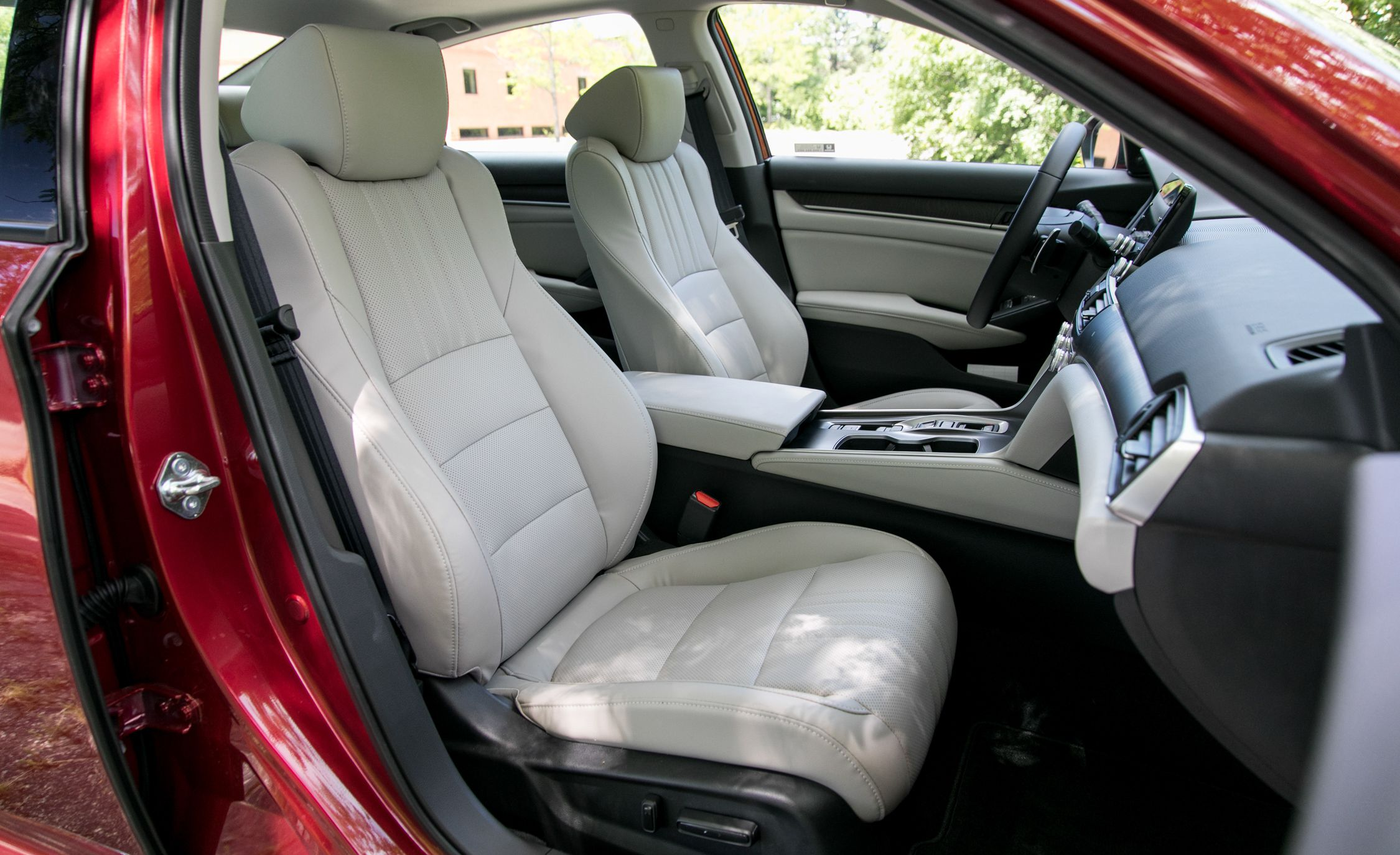 2018 Honda Accord Hybrid Interior Front Seats Wallpapers (15)