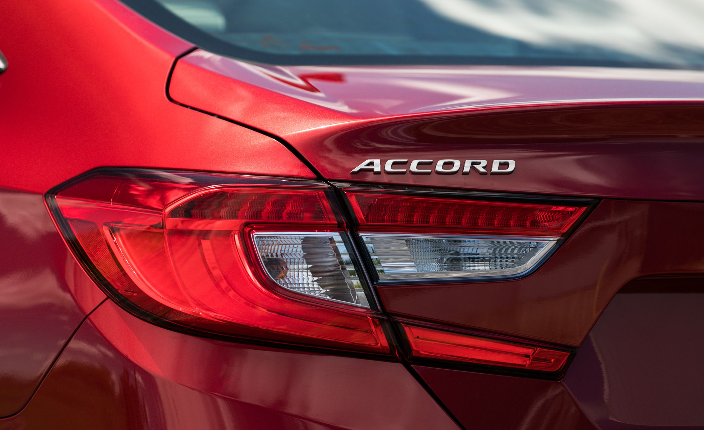 2018 Honda Accord Hybrid Tail Light Wallpapers (9)