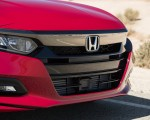 2018 Honda Accord Sport 2.0T Manual Front Bumper Wallpapers 150x120 (42)