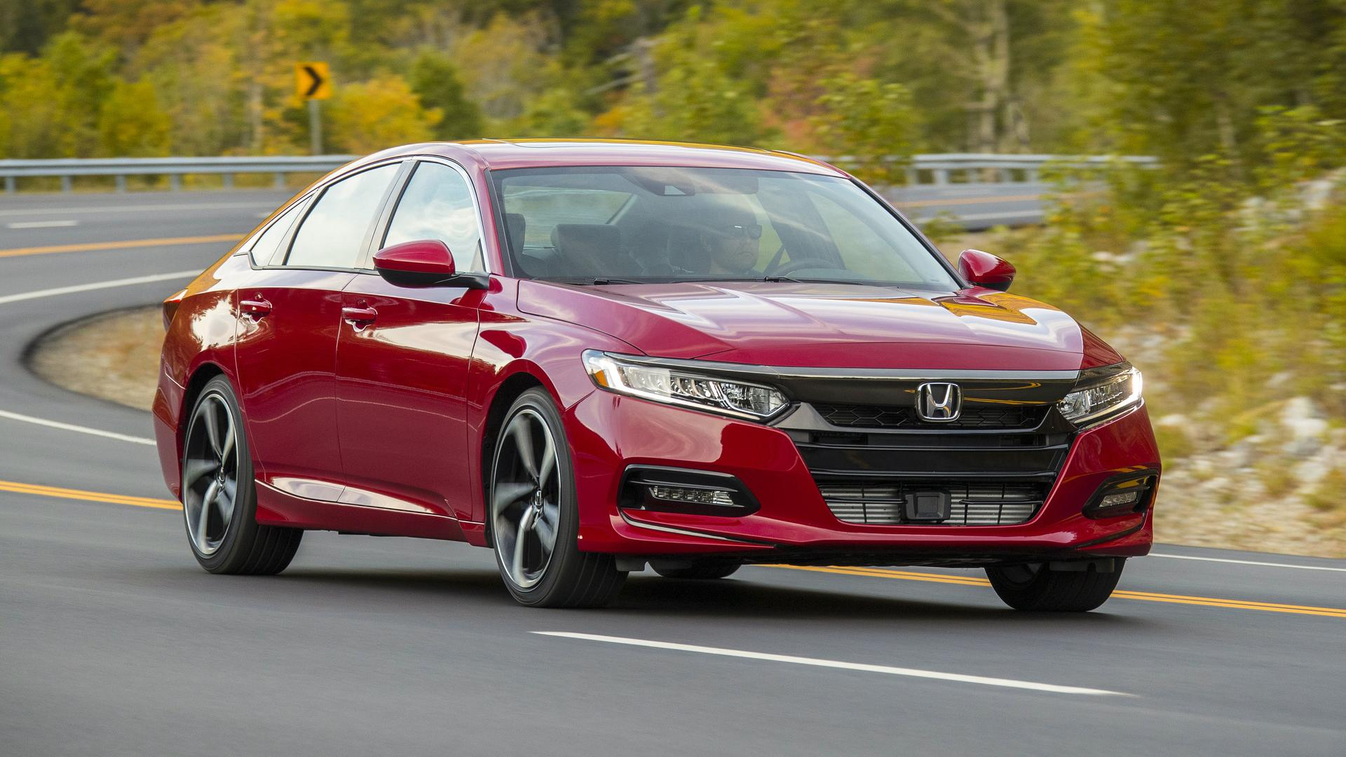 2018 Honda Accord Sport 2.0T Manual Front Three-Quarter Wallpapers (11)