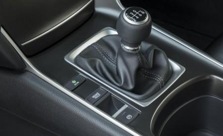 2018 Honda Accord Sport 2.0T Manual Interior Detail Wallpapers 450x275 (30)