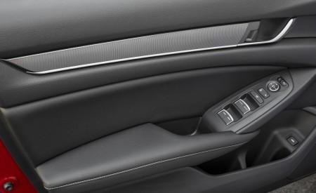 2018 Honda Accord Sport 2.0T Manual Interior Detail Wallpapers 450x275 (29)