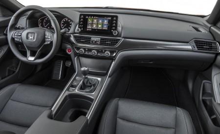 2018 Honda Accord Sport 2.0T Manual Interior Wallpapers 450x275 (35)